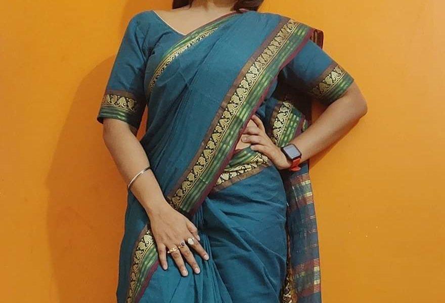 सासाराम की चिलचिलाती गर्मी में फिल्म 'छोटकी ठकुराईन' रानी चटर्जी को देखने उमड़ी लोगों की भीड़