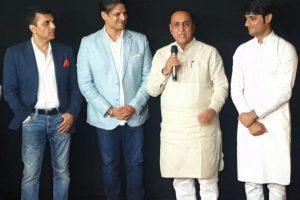 बायोपिक पीएम नरेंद्र मोदी के रिलीज से पहले निर्माता आनंद पंडित ने कहा - इंडस्ट्री के लिए एकजुट होने का है वक्त