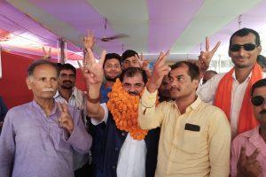 निर्दलीय प्रत्याशी आर के शर्मा ने रोड शो कर किया मतदाताओं को जागरूक