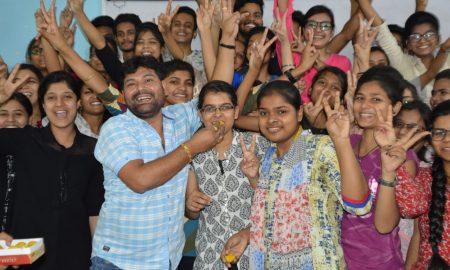 शत-प्रतिशत छात्रों ने पाई सफलता