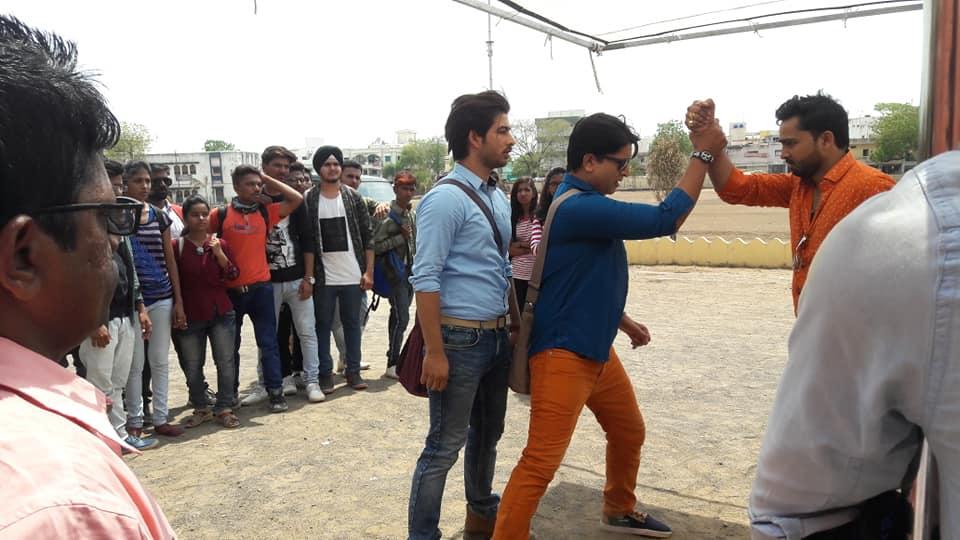 50 डिग्री की प्रचंड गर्मी में फ़िल्म 'धर्मराज' की शूटिंग कर रहे हैं सुपर स्टार अभिनेता अजय दीक्षित