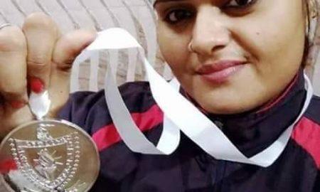 राष्ट्रमंडल वेटलिफ्टिंग चैम्पियनशिप के लिए चुनी गई बिहार के सिवान ज़िले कि बेटी सृष्टि सिंह