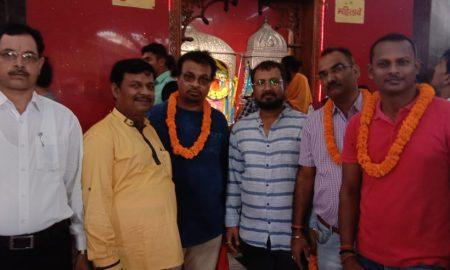 मैंने उनको सजन चुन लिया की सफलता के लिए पटना के हनुमान मंदिर में निर्माता निर्देशक ने लिया आशीर्वाद