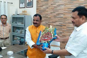पर्यटन मंत्री के रूप में कृष्ण कुमार ऋषि ने संभाल पदभार