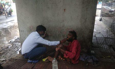 मानवता का मिशाल पेश करते नजर आ रहे है पटना के विवेक विश्वास