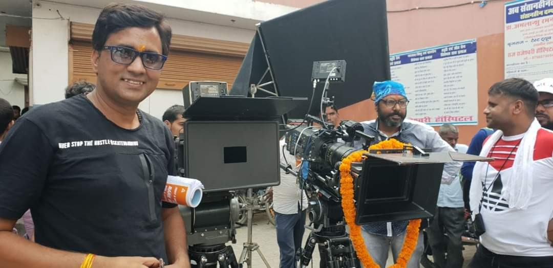 फुल इंटरटेनमेंट वाली फिल्म 'लफंगे नवाब' 300 से अधिक थियेटर में होगी रिलीज : सनोज मिश्र