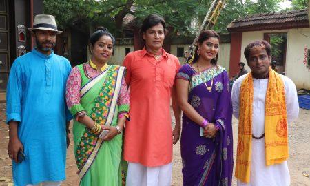 प्रतिभा पांडेय और रूप सिंह के बीच फसे अरविन्द पोद्दार