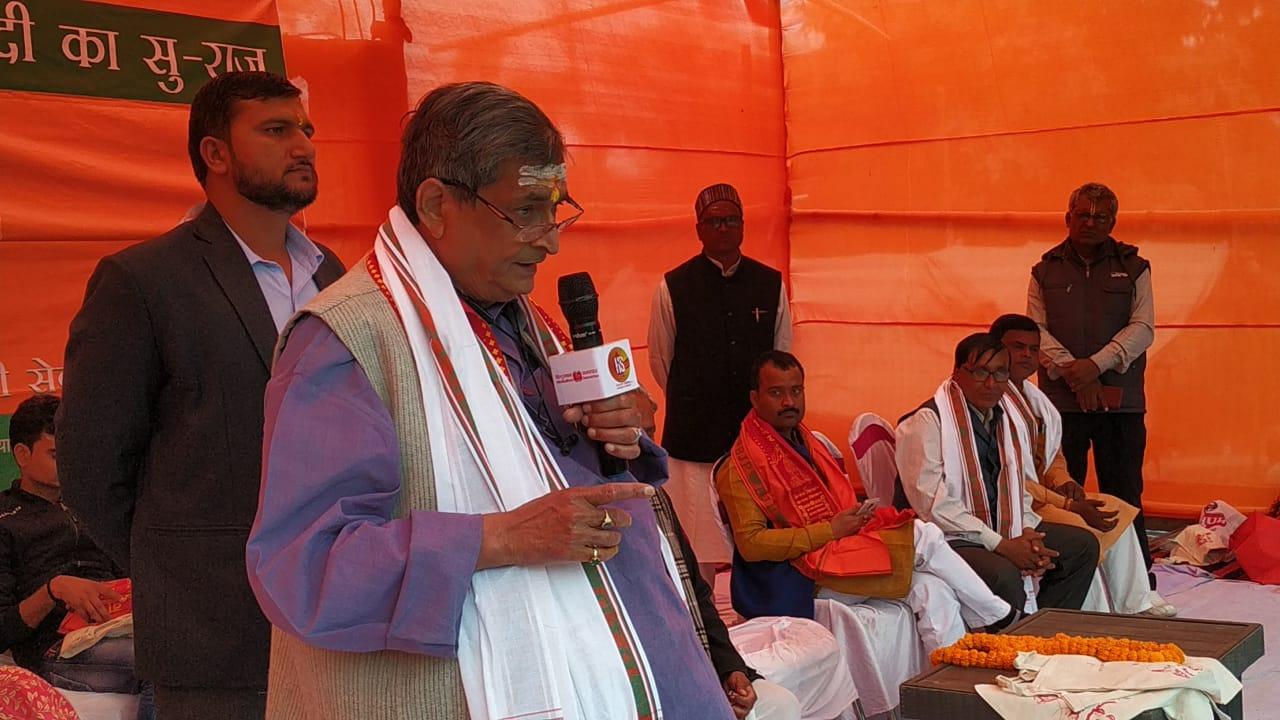 गांधी के सपनों को सच करने से ही समृद्ध होगा भारत : आर के सिन्हा