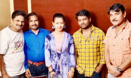 आलोक और प्रियंका की आवाज में भोजपुरी फ़िल्म हत्यारा के गानें की रिकॉर्डिंग की गई।