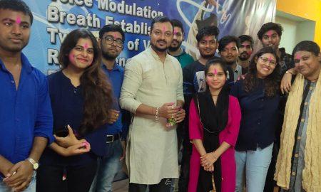परंपरा म्यूजिक कॉलेज में धूमधाम से मनाया गया होली मिलन समारोह