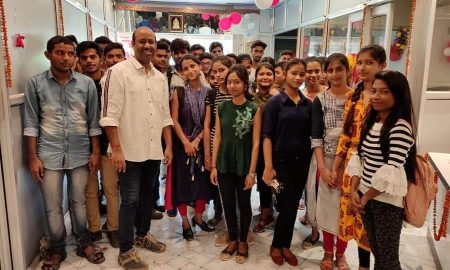 जेनिथ कामर्स एकाडमी के छात्र-छात्राओं ने आईकॉम में मारी बाजी