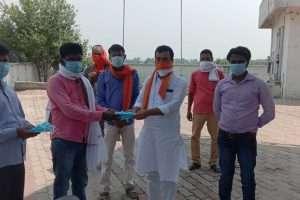 भाजपा नेता पंकज सिंह ने कोरोना को लेकर किया जागरूक
