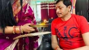 21 साल से वट सावित्री पूजा कर रही श्वेता कुमारी