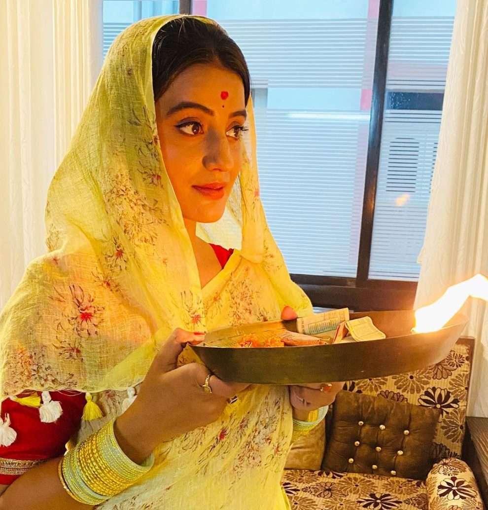ईधर आने का नहीं की अपार सफलता के बाद अक्षरा के कांवर गीत कैलाशी ने मचाया धमाल