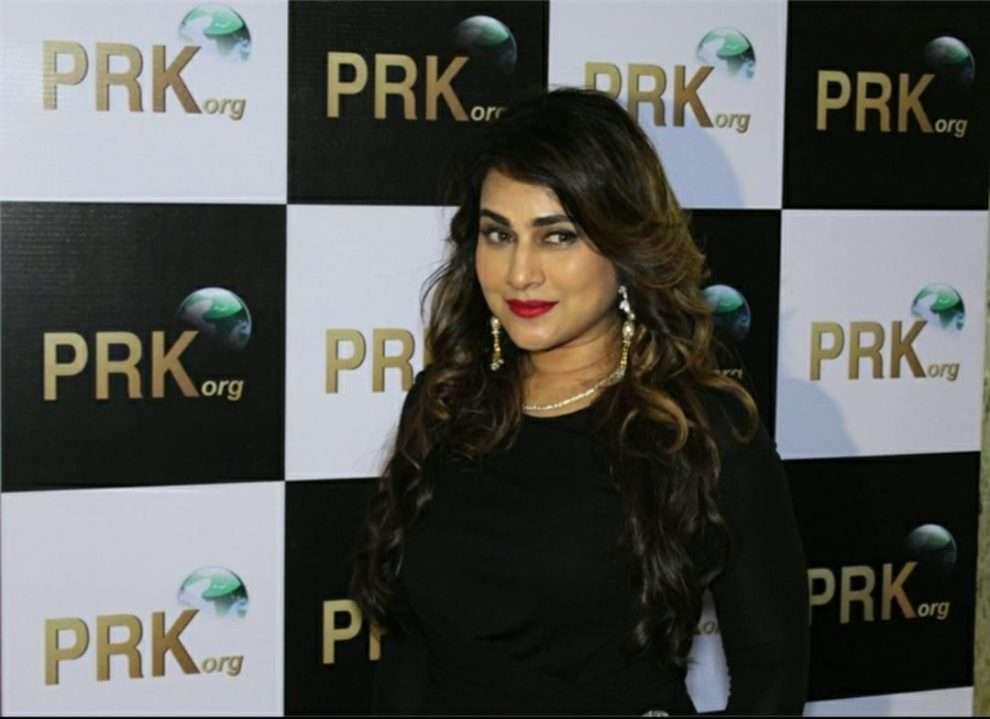 """Sonakshi Sinha और Shatrughan Sinha को Pakhi Hegde ने """"जरूरत"""" के लिए दिया धन्यवाद"""