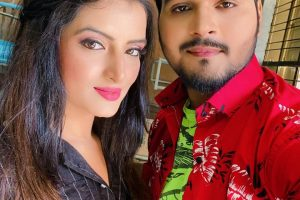 नासीर जमाल की फिल्म के सेट पर सोनालिका प्रसाद ने अरविंद अकेला कल्लू के साथ सेलिब्रेट किया बर्थडे