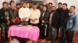 """पवन सिंह ने दिया गुंजन सिंह के जन्मदिन का तोहफा, फिल्म """"जिगर के टुकड़ा"""" का किया भव्य मुहूर्त"""
