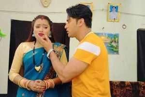 नीलू शंकर सिंह और अयाज खान पड़ गये प्यार के चक्कर में, देखते हैं कि कब तक चलती है लव स्टोरी