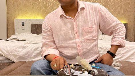 """धर्मा"""" के सेट पर डीआरजे रिकार्ड्स के संचालक राज जयसवाल का जन्मदिन धूम धाम से मनाया गया"""