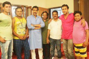 भोजपुरी फ़िल्म मोहब्बत रंग लायेगी का मुहूर्त के साथ शूटिंग प्रारंभ।